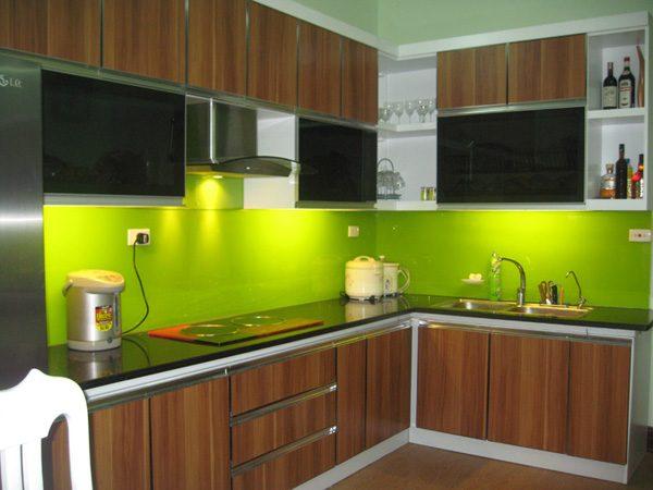 tủ bếp nhôm kính màu
