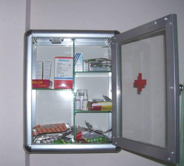 tủ thuốc nhôm kính gia đình