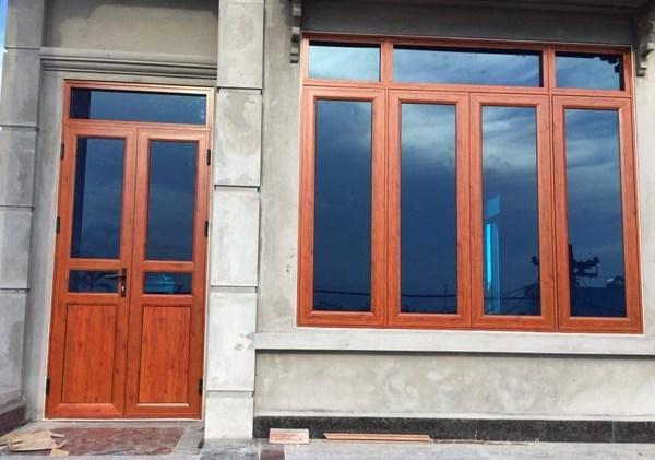 cửa nhôm việt pháp màu vân gỗ